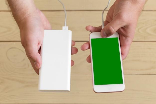 Smartphone mit powerbank aufladen