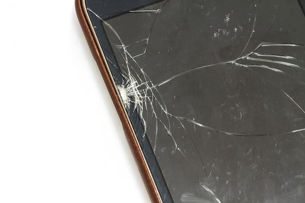 Smartphone mit zerbrochenem bildschirm