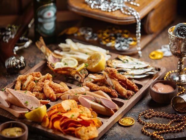 Snacks auf dem tisch zum oktoberfest