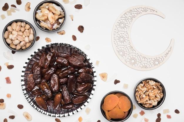 Snacks für die feier des ramadan-tages