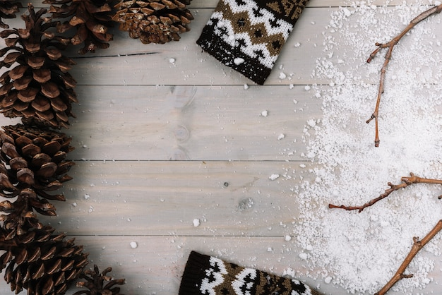 Snags, kleidung und schnee