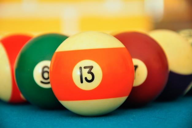 Snooker bälle auf dem tisch hautnah