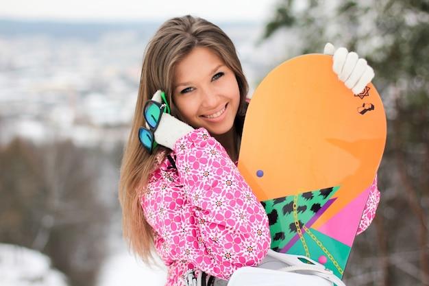 Snowboard athletische skijacke abstieg