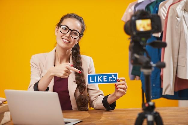 Social media influencer halten wie