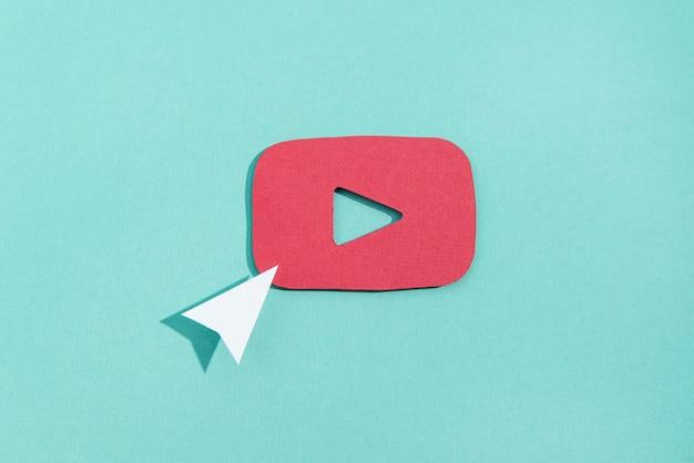 Social-media-stillleben mit logo