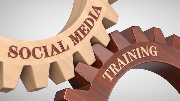 Social media training auf zahnrad geschrieben