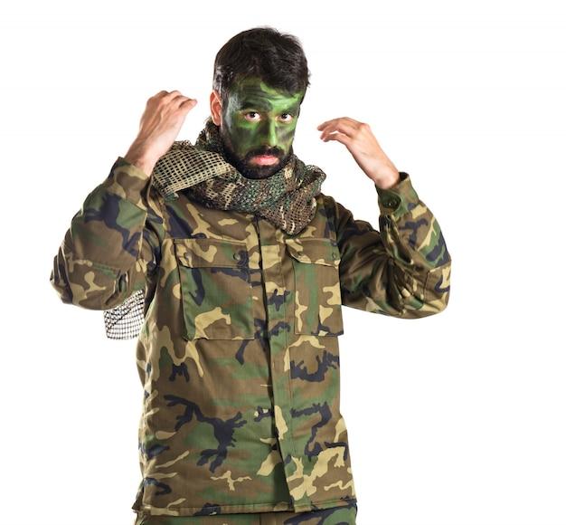 Soldat über weiß