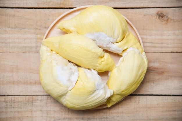 Sommer der frischen tropischen frucht der durianschale