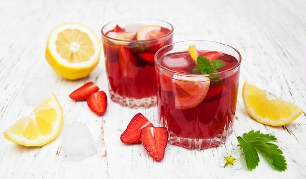 Sommer-erdbeer-drink