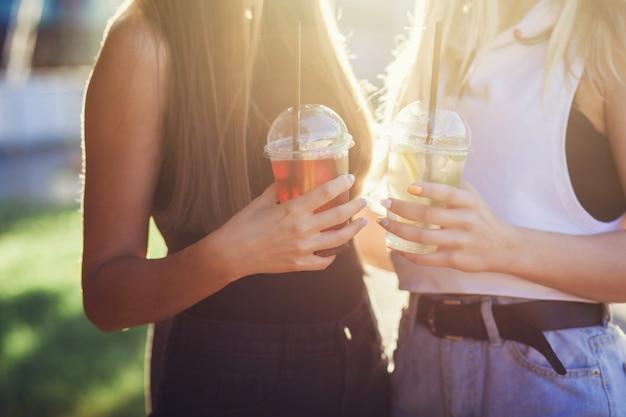 Sommer helle cocktails