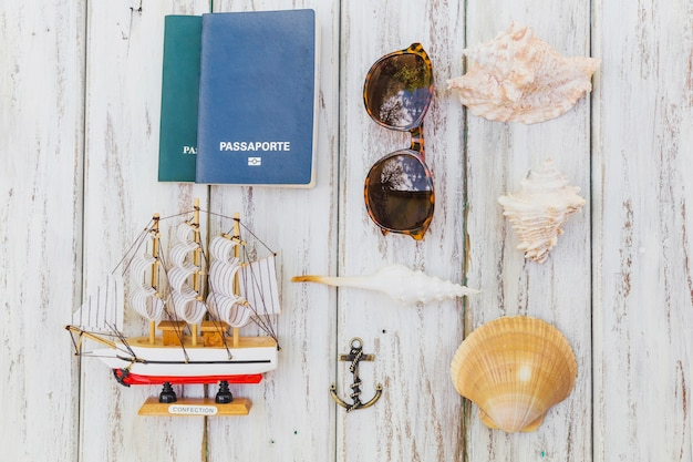 Sommer-komposition mit souvenirs