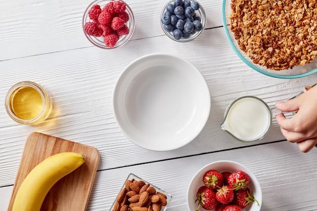 Sommer leckere früchte als konzept einer sauberen bio-ernährung Premium Fotos