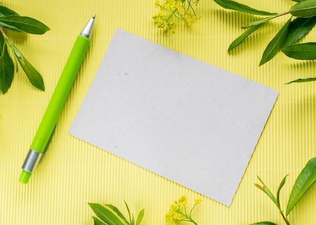 Sommer mocap mit kugelschreiber und papier