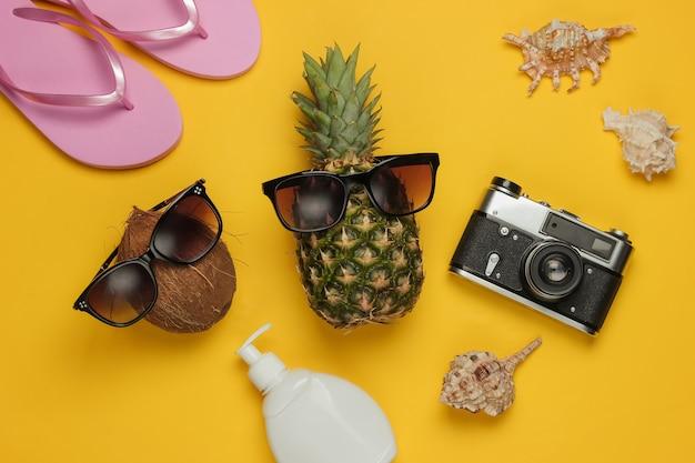 Sommerhintergrund. spaß und humor. das konzept eines strandurlaubs, reisen