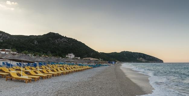 Sommermorgen in dhermi, albanien