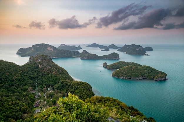 Sonnenaufgang flasche strand auf phangan island thailand