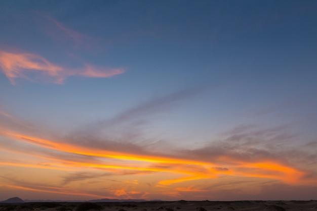 Sonnenaufgang über rotes meer