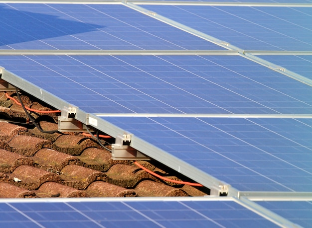 Sonnenkollektor auf dem dach