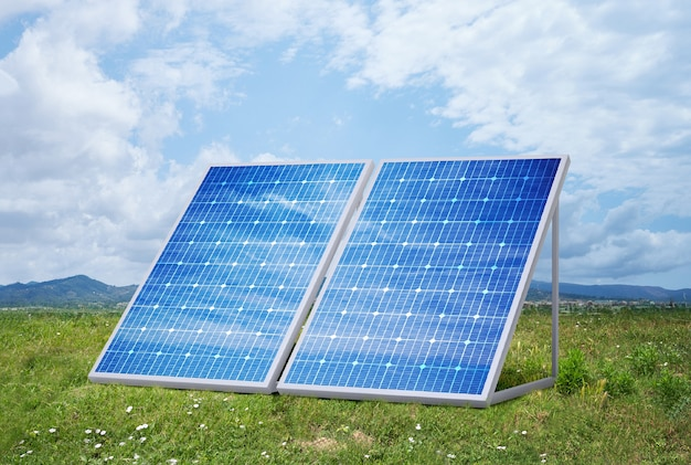 Sonnenkollektoren auf dem feld an einem sonnigen tag