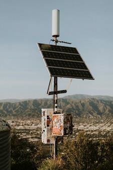 Sonnenkollektoren in der kalifornischen wüste