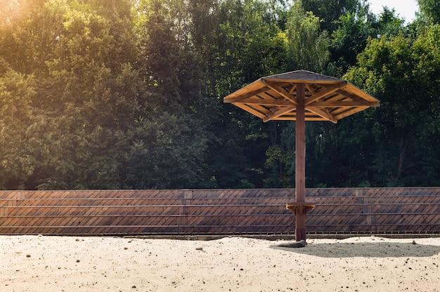 Sonnenschirm auf dem sand