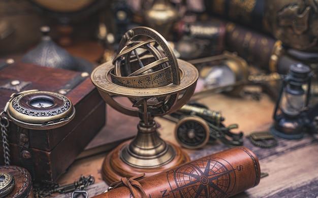 Sonnenuhr kompass mit sternzeichen
