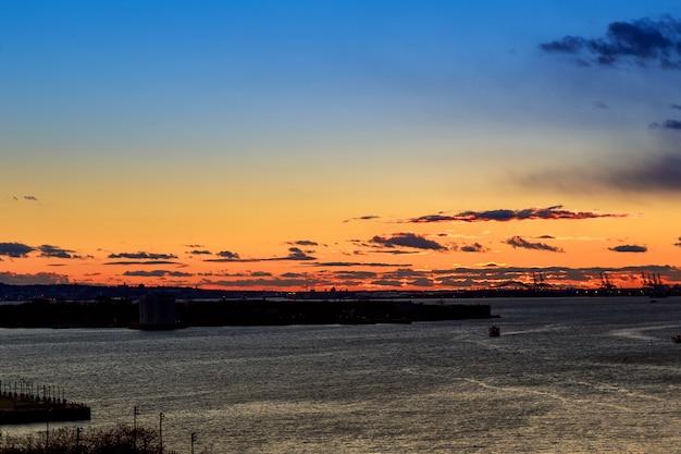 Sonnenuntergang aus brooklyn, new york