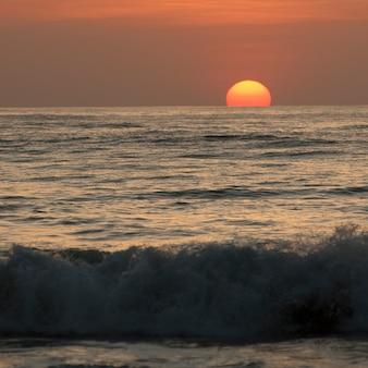 Sonnenuntergang himmel über costa rica