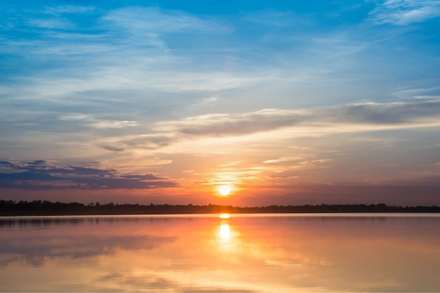 Sonnenuntergang im see