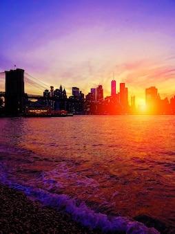 Sonnenuntergang in brooklyn, new york city