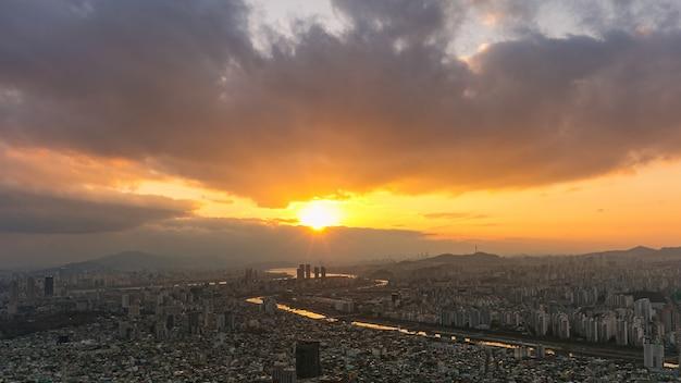 Sonnenuntergang von seoul city südkorea
