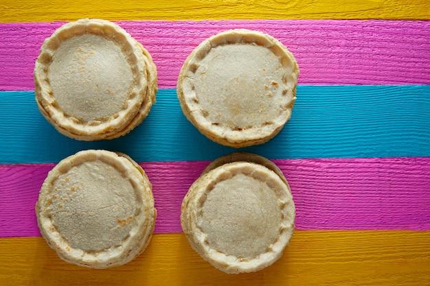 Sopes handgemachtes mexikanisches traditionelles lebensmittel