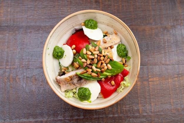 Sortierte salatnahrungsmittelteller