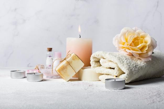Sortiment mit produkten zum baden