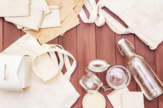 Sortiment umweltfreundliche verpackungen, ohne abfall, papier, glas und ohne textilien recycelt