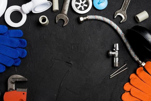 Sortiment von ausrüstung für den sanitärbereich