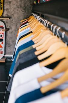 Sortiment von t-shirts