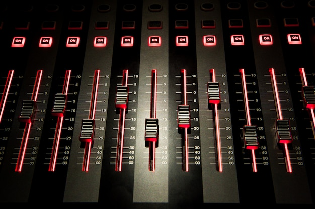 Soundsteuerung mit led-hintergrundbeleuchtung, soundausrüstung.