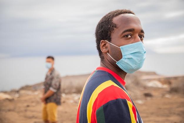 Soziale distanzierung während der coronavirus-pandemie