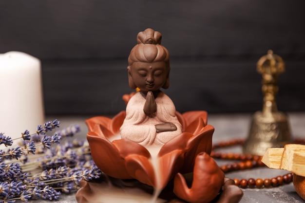 Spa aromatherapie zeremonie der anbetung der buddha räucherstäbchen
