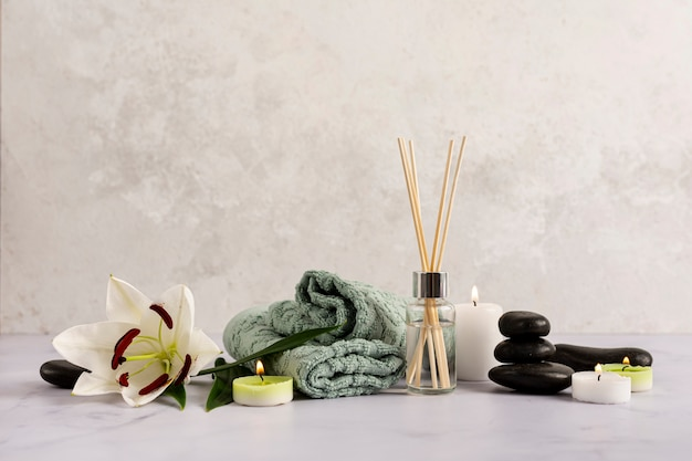 Spa-arrangement mit therapeutischen gegenständen