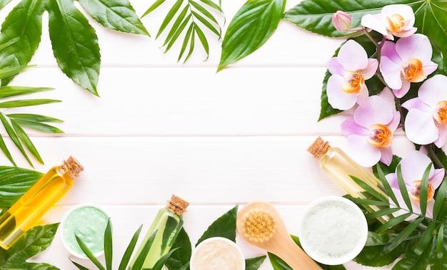 Spa-hintergrund mit platz für einen text. spa wellnes grußkarte. aromatherapie-thema, handgemachte kosmetik
