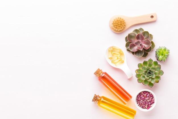 Spa mit platz für einen text. spa wellnes grußkarte. aromatherapie-thema, handgemachte biokosmetik. flach liegen.