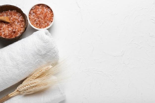 Spa-packung mit kosmetischen hygieneprodukten