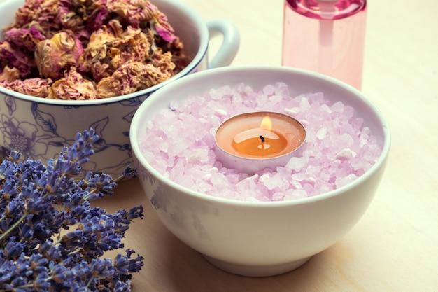 Spa-set mit meersalz, lavendel