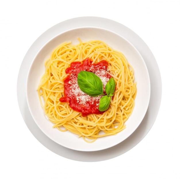 Spaghetti mit basilikum und tomate