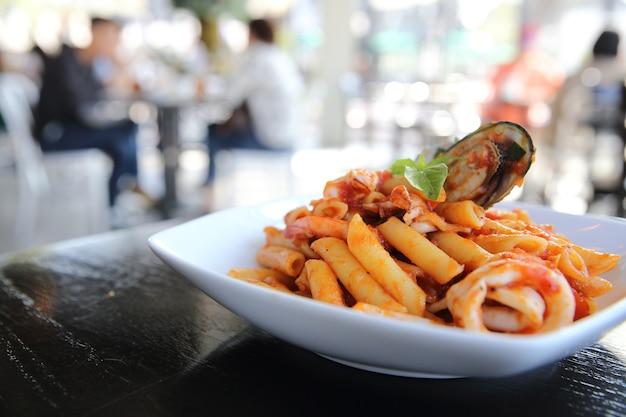 Spaghetti penne mit meeresfrüchten