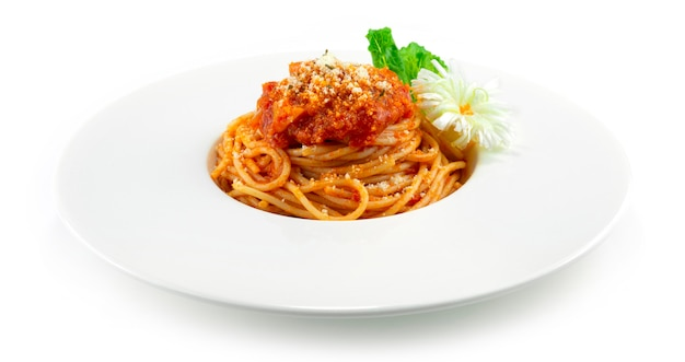 Spaghetti würzige tomatensauce parmesan bestreuen italienisches gericht fusion style dekoration
