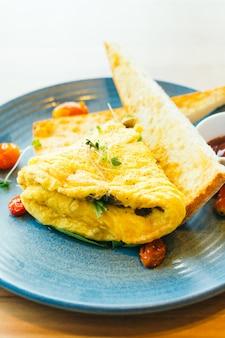 Spanich omelett in teller