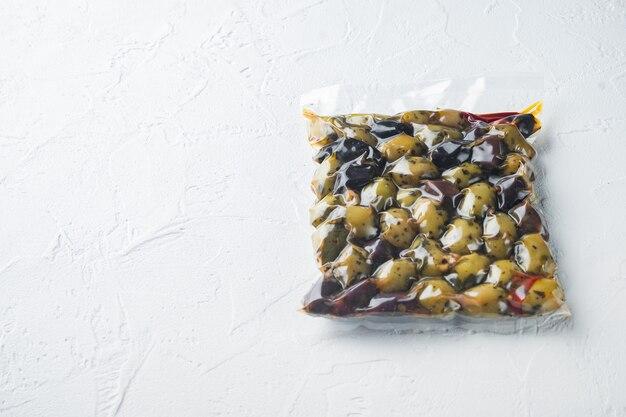 Spanien oliven frisch isoliert